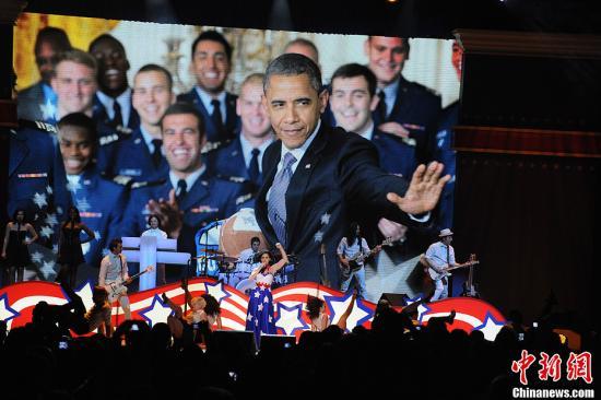 奥巴马四年乌发变白鬓 政绩褒贬不一前路挑战多