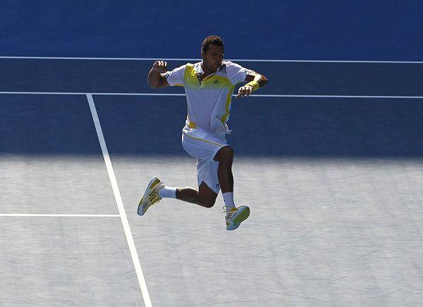 圖文:澳網男單特松加3-1小加 特松加跳遠動作圖片