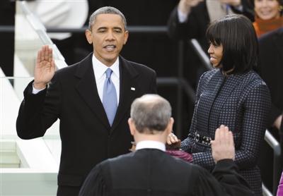 奥巴马宣誓就职。