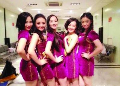 從左至右:楊凱淳,孫茜,藍盈瑩,戰菁和蔣欣.圖片
