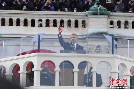 """奥巴马宣誓现感性 称""""永不可能再看到此幕"""""""