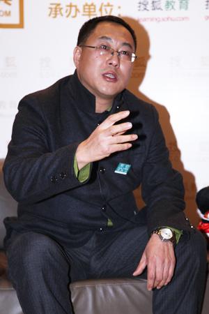 教授贺雄飞出席2012