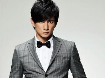 吴奇隆多年来一直在大陆发展,因《步步惊心》大热后,成为最赚钱的台湾影视演员。