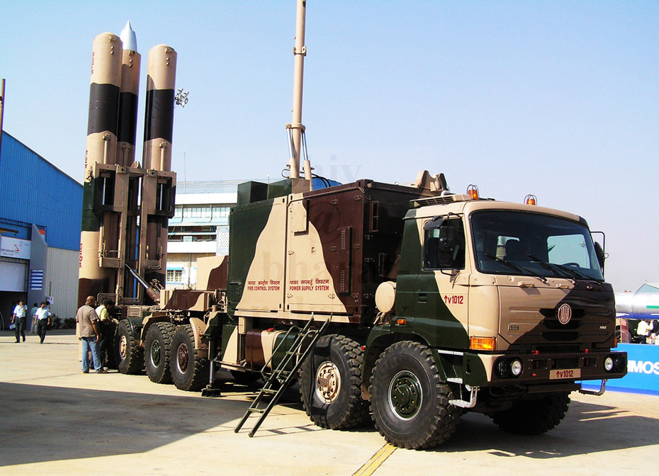 中国鹰击12在世界超音速反舰导弹排行第一?