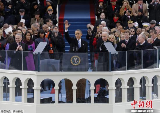 1月21日,美国连任总统奥巴马在华盛顿国会山举行公开宣誓就职仪式。