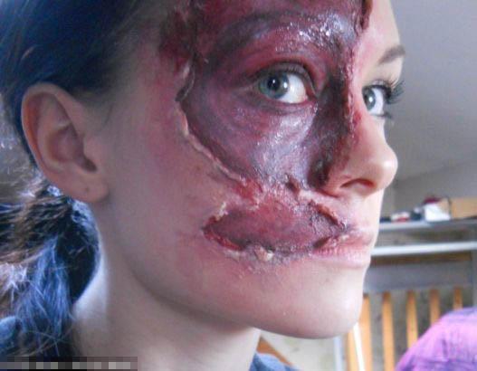英国女孩展示特效化妆图片