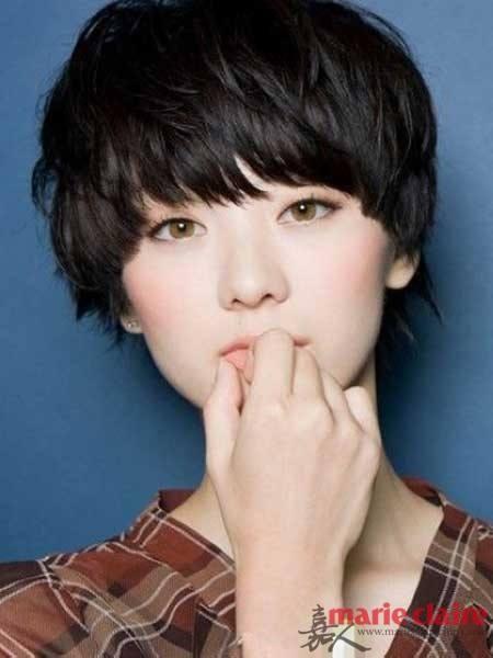 气质从头打造 女星长发见光死 率性短发更惊艳 发型修出瓜子脸 圆脸方图片