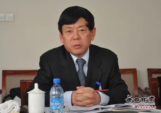 李永军参加分组讨论