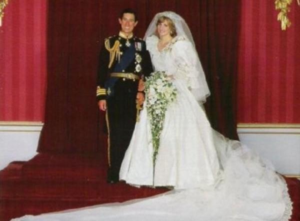 同年9月6日,英国王室为戴安娜举行了葬礼,英国广播公司用44种语