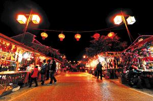 """五华,西山,官渡四主城区推出了具有昆明美食文化特色的""""灯火茶花夜市""""图片"""