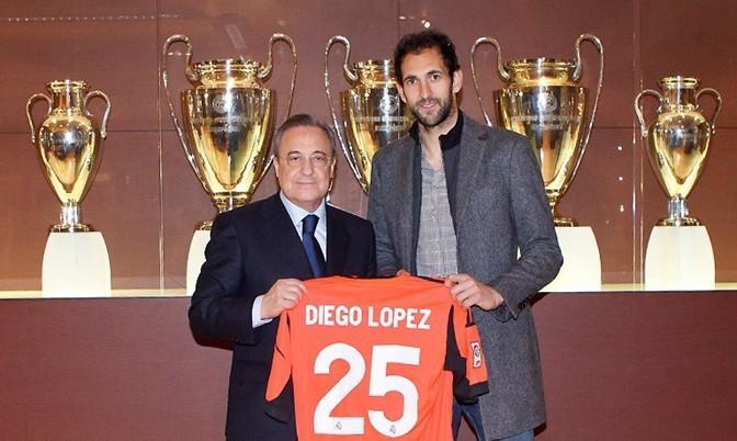 洛佩斯/当地时间1月26日,皇马今冬签下的首援迭戈/洛佩斯抵达俱乐部,...