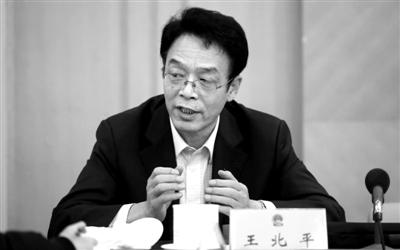 1月23日,北京会议中心,大兴团小组会议上,人大代表王北平正在接受记者采访。