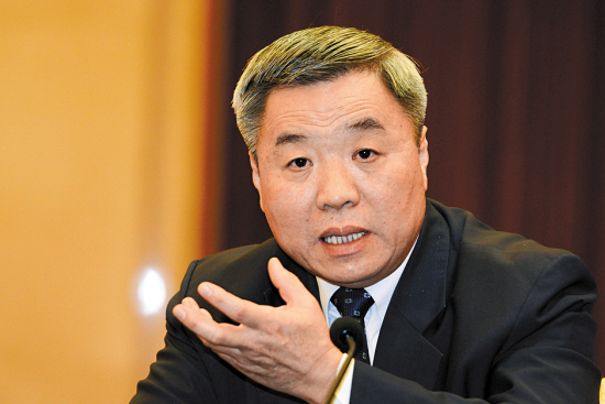 黄龙云24日参加省政协会议讨论 羊城晚报记者 何奔 摄