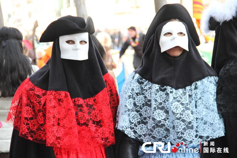 面具/原标题:威尼斯狂欢节上的面具和盛装