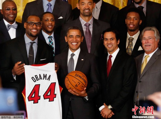 北京时间1月29日凌晨,2012年nba总冠军迈阿密热火队赴白宫会见奥巴马
