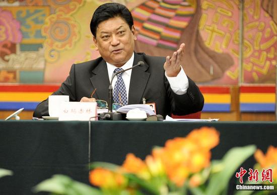 白玛赤林当选西藏人大主任 洛桑江村当选主席