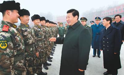 委主席习近平到武警部队视察,代表党中央、国务院和中央军委,向图片