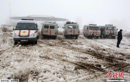 哈萨克斯坦宣布31日为哀悼日 悼念坠机遇难者
