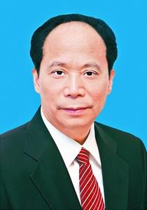 吉炳轩,男,汉族,1951年11月生,河南孟津人,1978年10月参加工作,1980年4月加入中国共产党,郑州大学中文系大学普通班毕业。