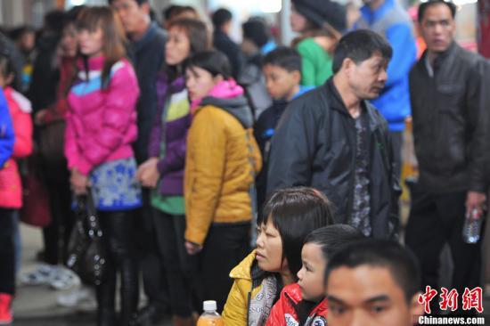 春运第6日:捡漏购票不易 节前北上广临客有余票