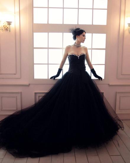 婚纱黑色铅笔画