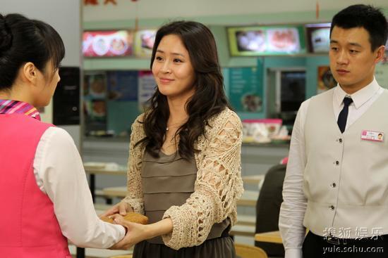 门第女主角小贝_观众看《门第》落泪 于明加正室范儿受褒奖(组图)-搜狐滚动