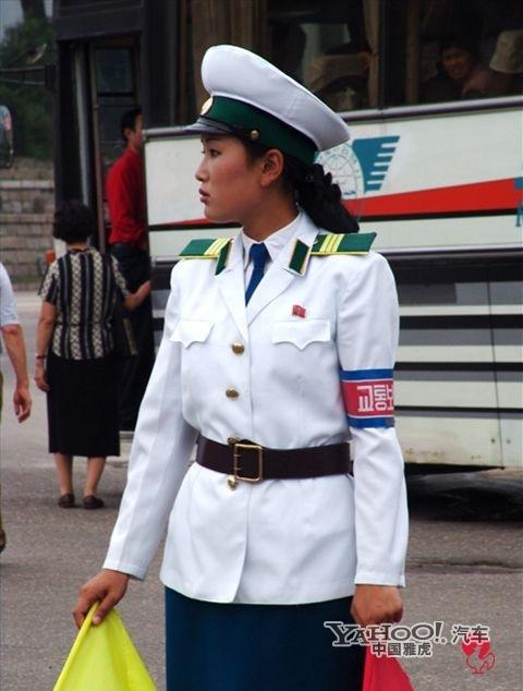 中国 交警/朝鲜女交警
