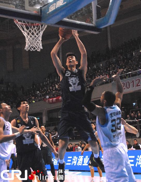 北京时间2月1日,CBA进行第30轮角逐,北京队主场以118比...
