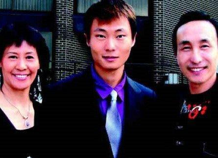 2013年9月电影 时光_巩汉林与夫人庆结婚30年 晒全家福照儿子曝光-搜狐娱乐