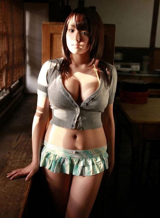 日本 爆乳曼联美女 美女身材 竖
