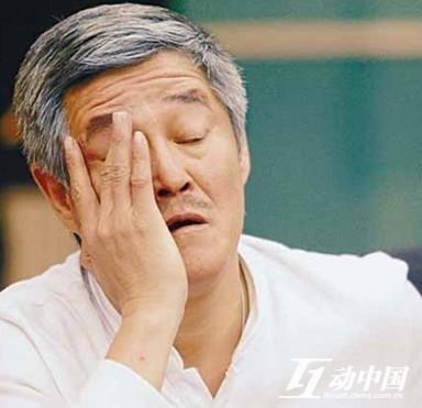 """说到""""本山帝国""""的建立,首先要承认的就是""""赵本山""""这三个字的影响力,这自然离不开他在春晚舞台上建立起的名声。"""
