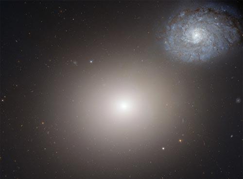哈勃望远镜v星系a星系太空:放大镜下古老星系/家国(1)_科学探索_光明网多图天下备课图片