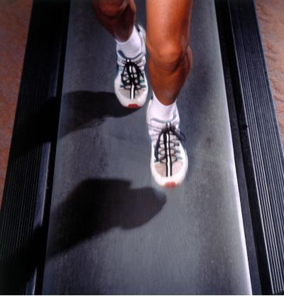 跑步机减脂慢跑室内享受配合各式卷腹轻松瘦脸塑性针只打一个点图片