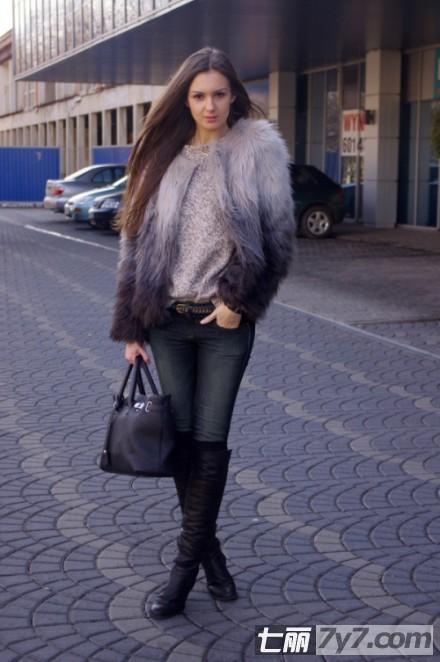 最新欧美时尚街拍:帅气英伦风变身艺人大咖 图