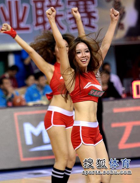 广东篮球宝贝双人花样滑冰女图片