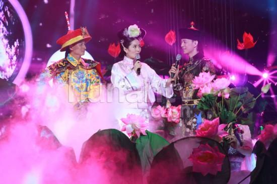 谢娜/贾玲、白凯南和大张伟已经成了《百变大咖秀》舞台上无法超越的...