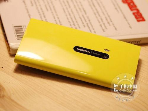 诺基亚Lumia 920背面图片