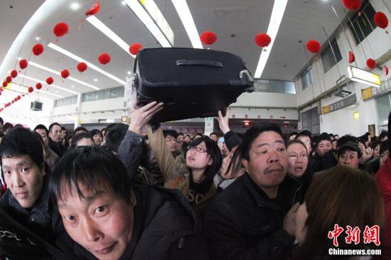 英媒观察:中国春运,民工群体获格外关注