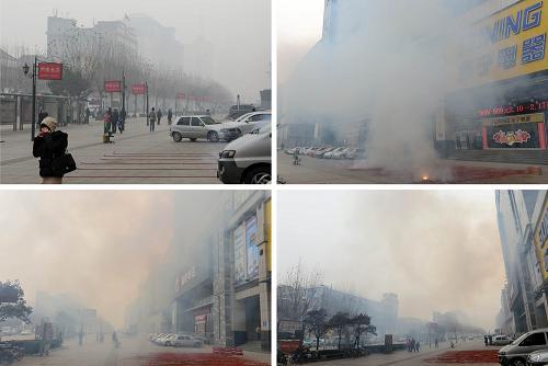 """2月16日,在济南市泉城路,店家在商铺前燃放""""开门炮""""前后的情况(拼版照片,左上为燃放前)。新华社记者 郭绪雷 摄"""