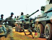 成都军区炮兵部队组织紧急出动演练