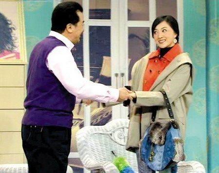 2010年,她又与黄宏,巩汉林,林永健合作了《美丽的尴尬》.图片