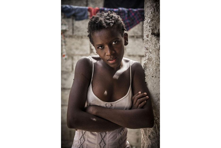 儿童 奴隶/纪实:海地儿童的悲惨奴隶生活 忍受毒打和强奸(组图)