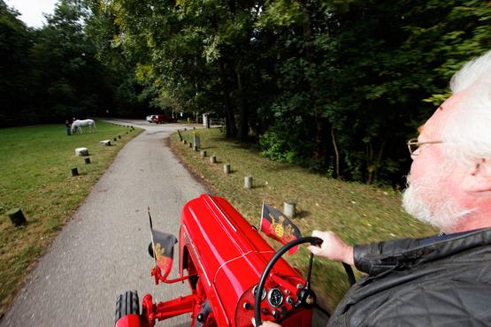 经典车之比911还昂贵的保时捷拖拉机高清图片