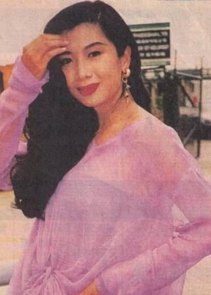 张曼玉/吴家丽,1981年毕业于无线电视艺员训练班,著名同期同学有:刘...