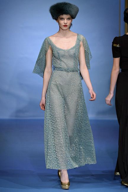 周透明秀 米兰时装周2011图片