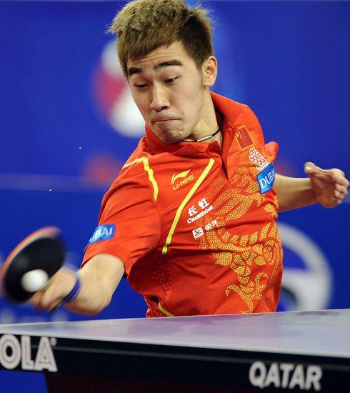 图文:2013卡塔尔乒乓球赛 闫安强行侧身