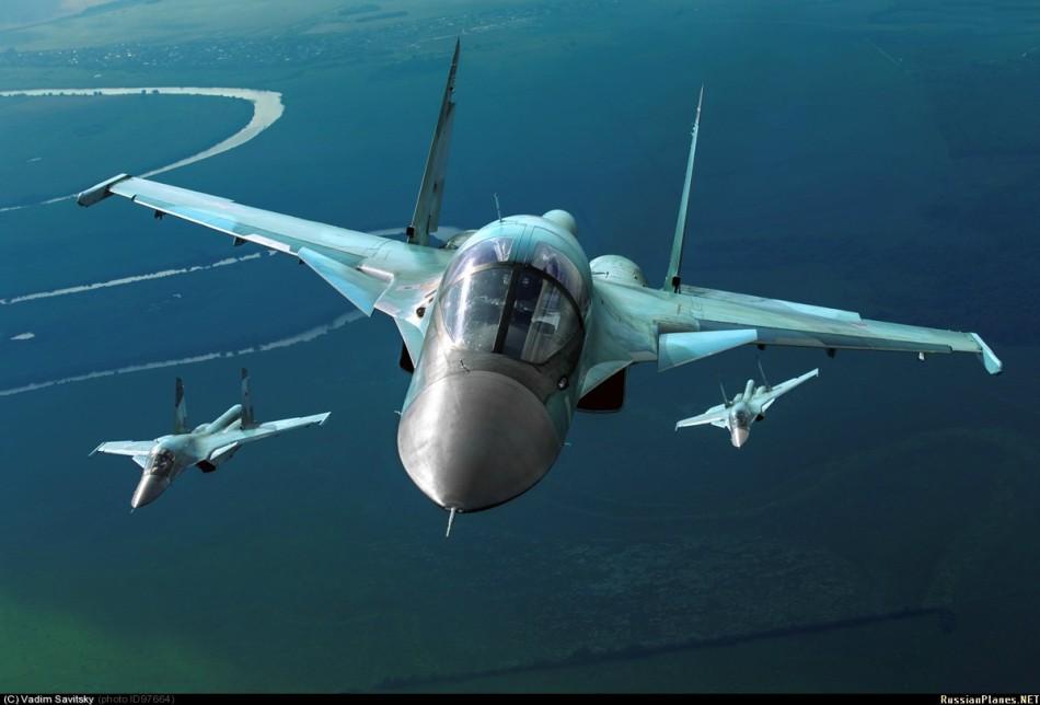 米亚设计局提出的设计称为m-18(m-20)方案;苏霍伊设计局提出的设计
