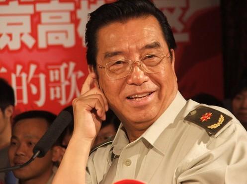 开《想起周总理纺线线》的歌谱,词作者中的宋德贤,就是李双江的