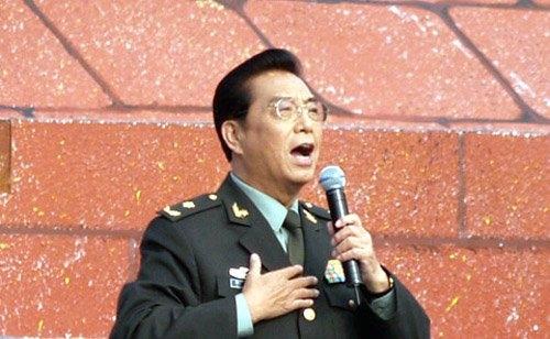 解放軍藝校工作人員否認李雙江住院:天天到校圖片