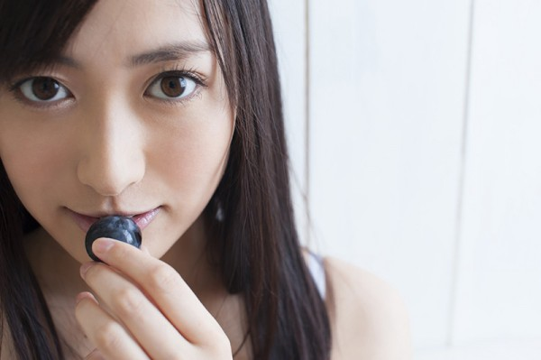 第2位该团成员高松惠理也下海了,由其主演的首部a片6日正式上市,她化